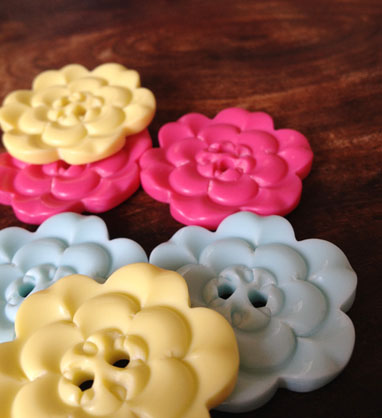 button_flowerbig.jpg